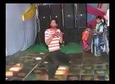 Aisa dance jo Hrithik Roshan or Micheal Jackson bhi naa kr sakay... :p :p