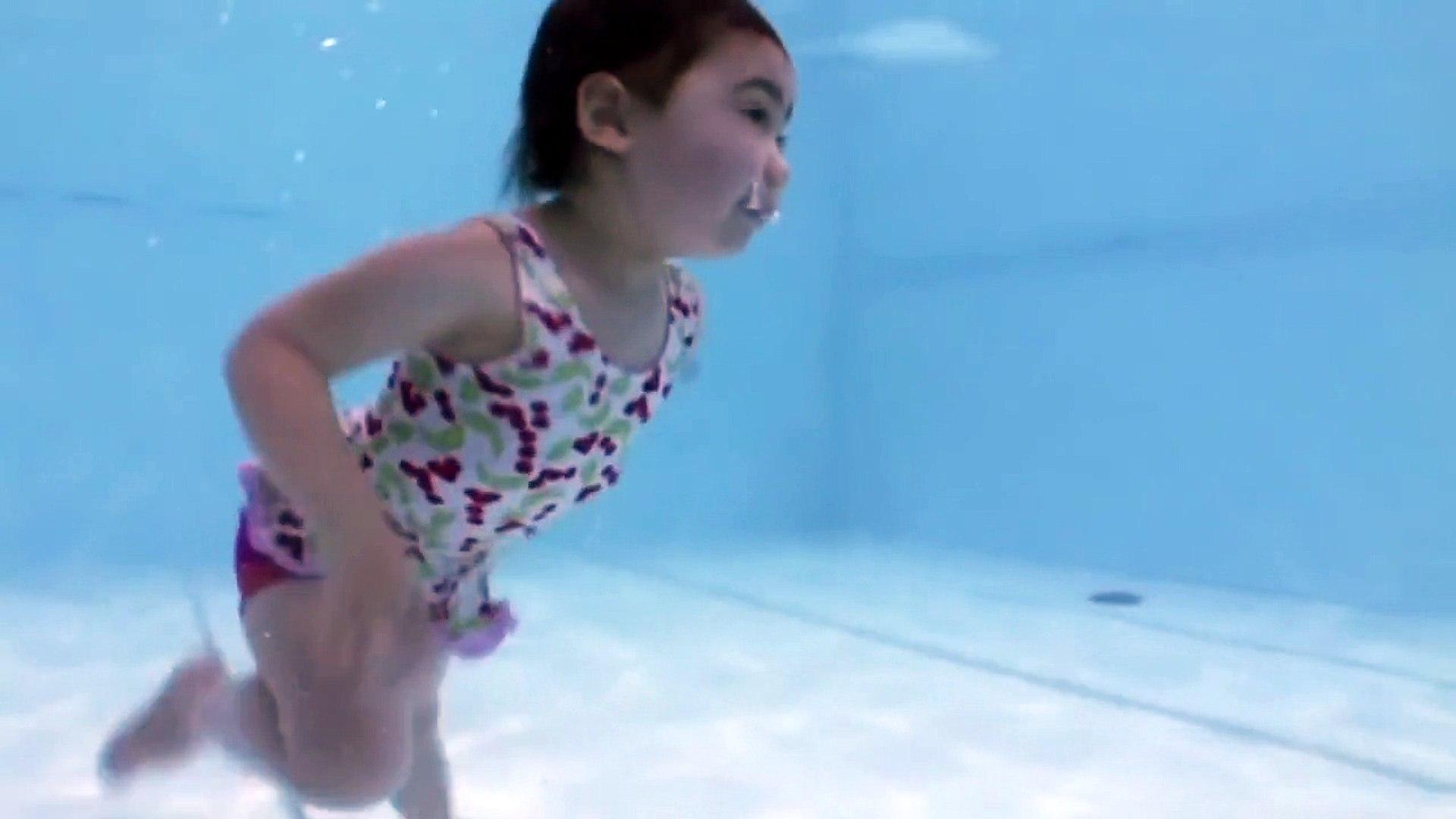 Дети под водой и на воде - Children under water and on water