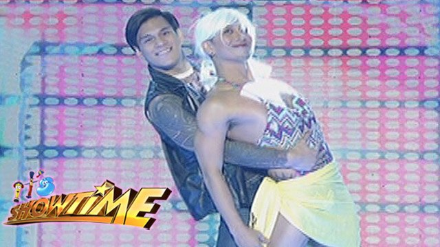 """It's Showtime: Joana, Bambi and Zeus in """"Love Me Like You Do""""performance"""