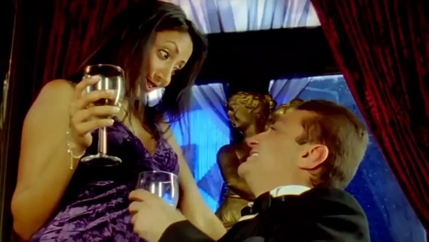 HOT Gul Panang All Kissing Scenes  Straight  Bollywood Movie