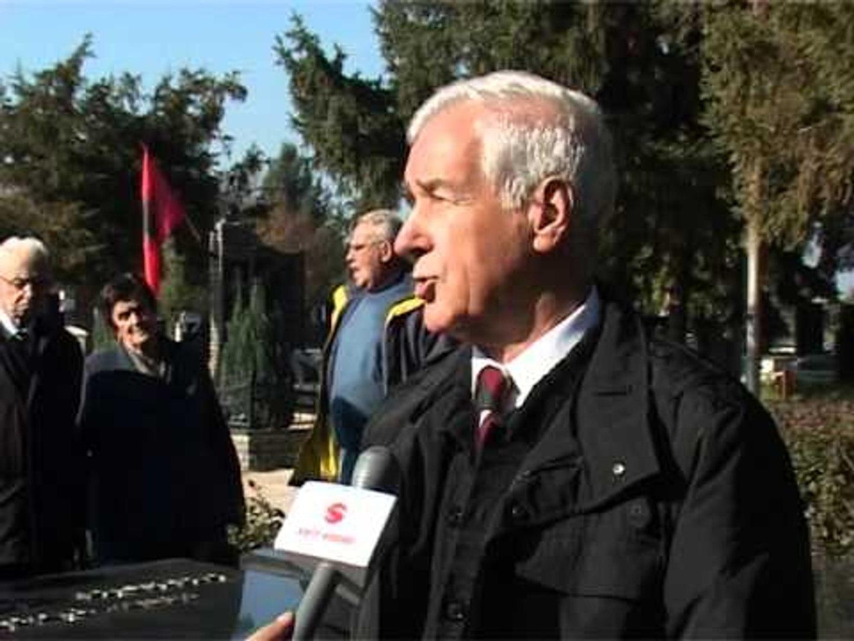 Lajme - Homazhe te varri i Fadil Hoxhës për 9 Nëntor