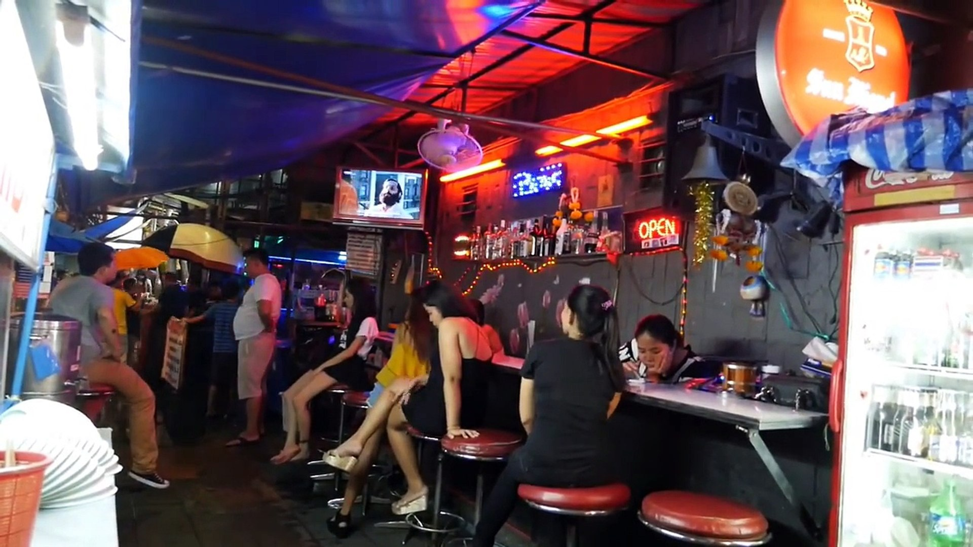 Nana Plaza Bangkok Sukhumvit Girls Soi 4