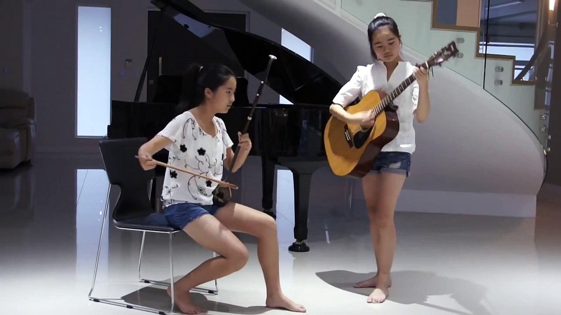 Đã có Guitar lại còn có cả đàn nhị, lẫn gái xinh
