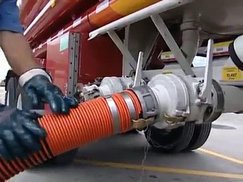 Mighty Machines Trucks! Trucks! Trucks!