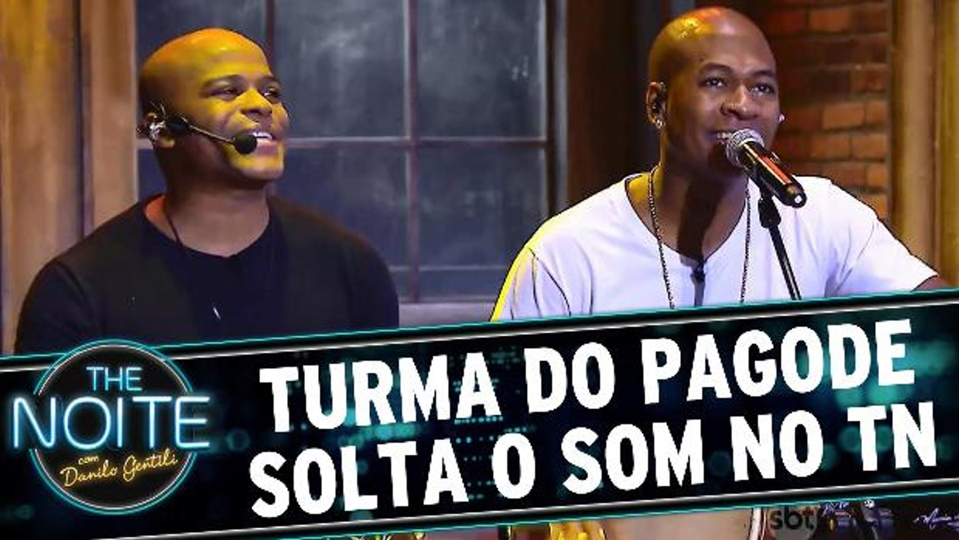 Turma do Pagode solta o som no The Noite