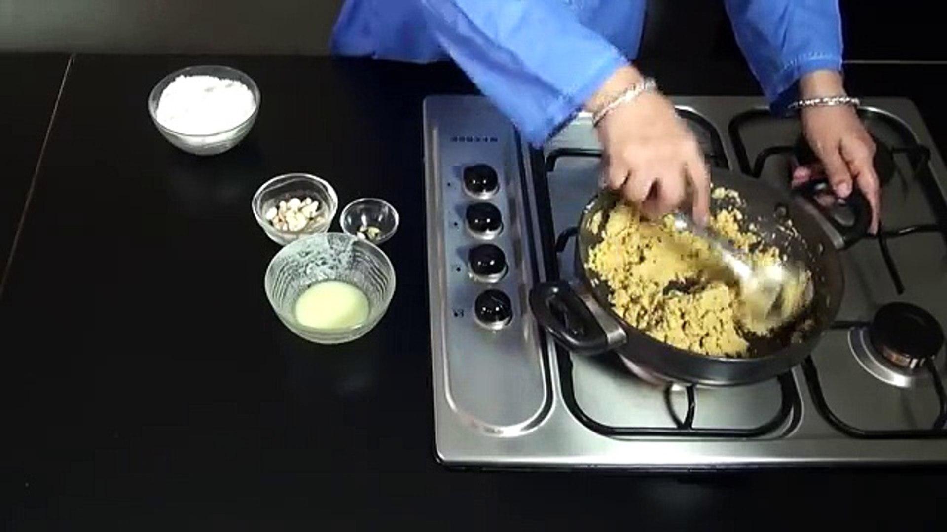 Besan Ladoo Recipe, Besan Laddu Recipe Hindi Urdu Apni Recipes