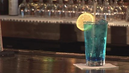 How To Mix A Blue Lagoon Cocktail