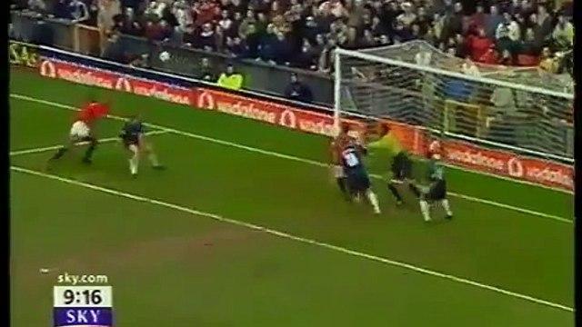Di Canio - Manchester Utd v West Ham FA Cup 2001