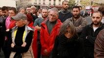 Minute de silence aux abords du Bataclan en hommage aux victimes des attentats de Paris