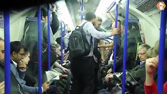 شاهد ملتحي يتدخل من بين الركاب لحماية فتاة من التحرش وسط صمت البقية