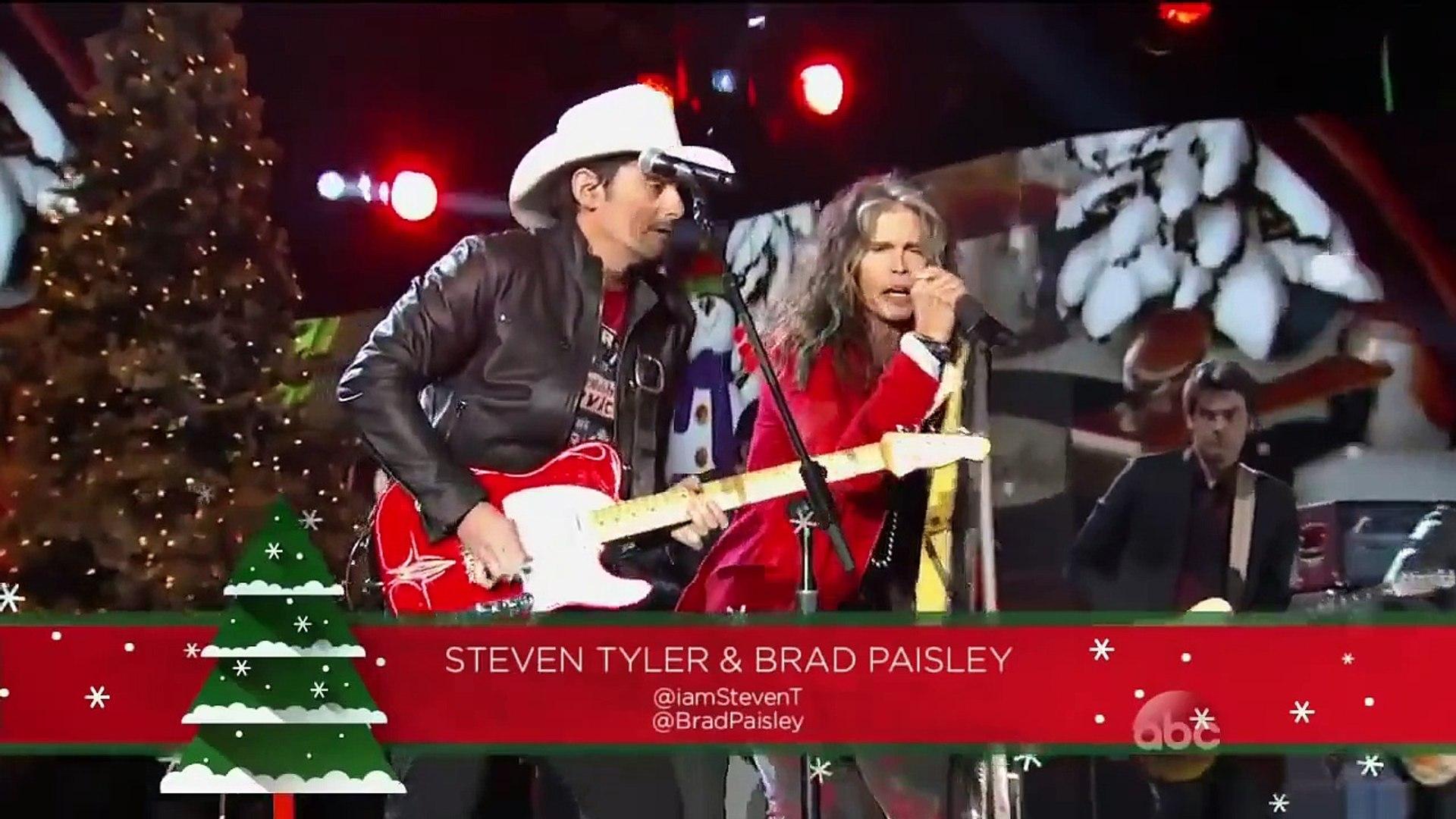 Brad Paisley Christmas.Steven Tyler Brad Paisley Run Run Rudolph Cma Country Christmas 2014