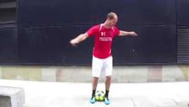 Football Trick Tutorial - The Spinner