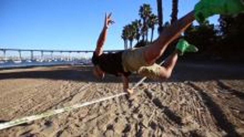 Slacklining - Balance Beam Meets Trampoline!
