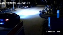 Man decides to set a car that's blocking his way on fire