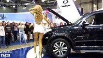 Auto fun. Girls washing cars and dance. Fun to DVRs drivers