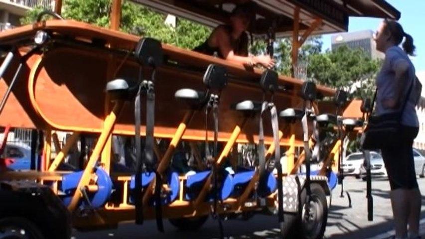 """Pedalear en las """"beer bikes"""" holandesas, el atractivo en las calles de San Diego"""