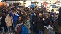 Attentats de Paris: rassemblement lycéen à Vire