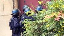A Saint-Denis, la police défonce les portes d'une église