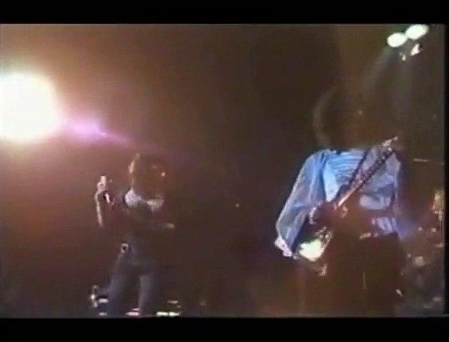 Queen - (1974)  Stone Cold Crazy (Live) (Sous Titres Fr)