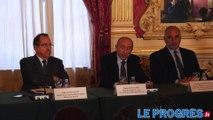 Conférence de presse pour l'annulation de la fête des lumières à Lyon le 8 décembre 2015