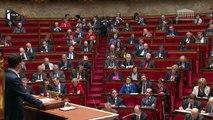 """Manuel Valls: """"Il peut y avoir le risque d'armes chimiques ou bactériologiques"""""""