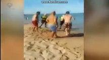 "Un policía local de Algeciras dispara con una pistola ""taser"" a un bañista en Algeciras"