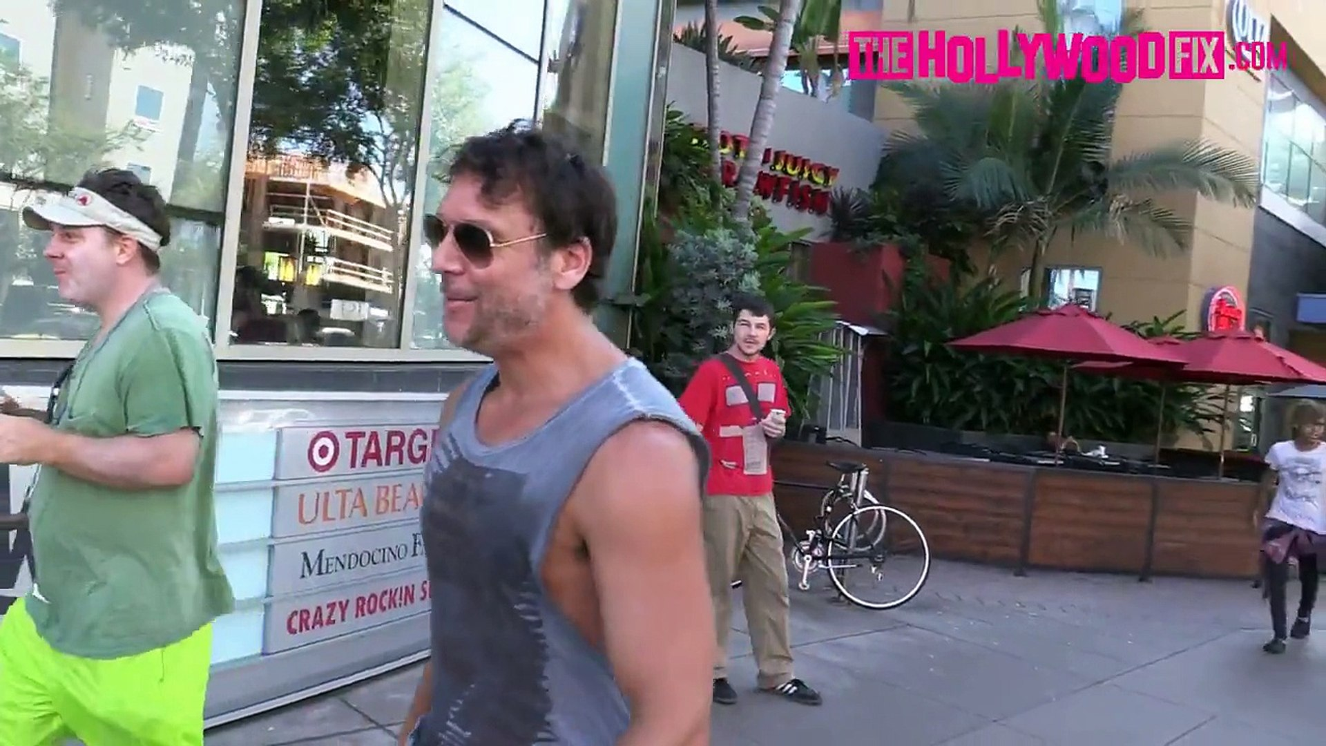 Dane Cook Jokes & Talks About His New Show Leaving Jersey Mikes On His Ducati 9.20.15