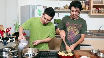 Lemper - Glutinous Rice Wrapped In Banana Leaf Recipe | Jajanan #005