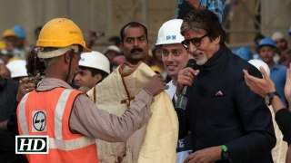 Big B donates Silsila jacket to needy for winter