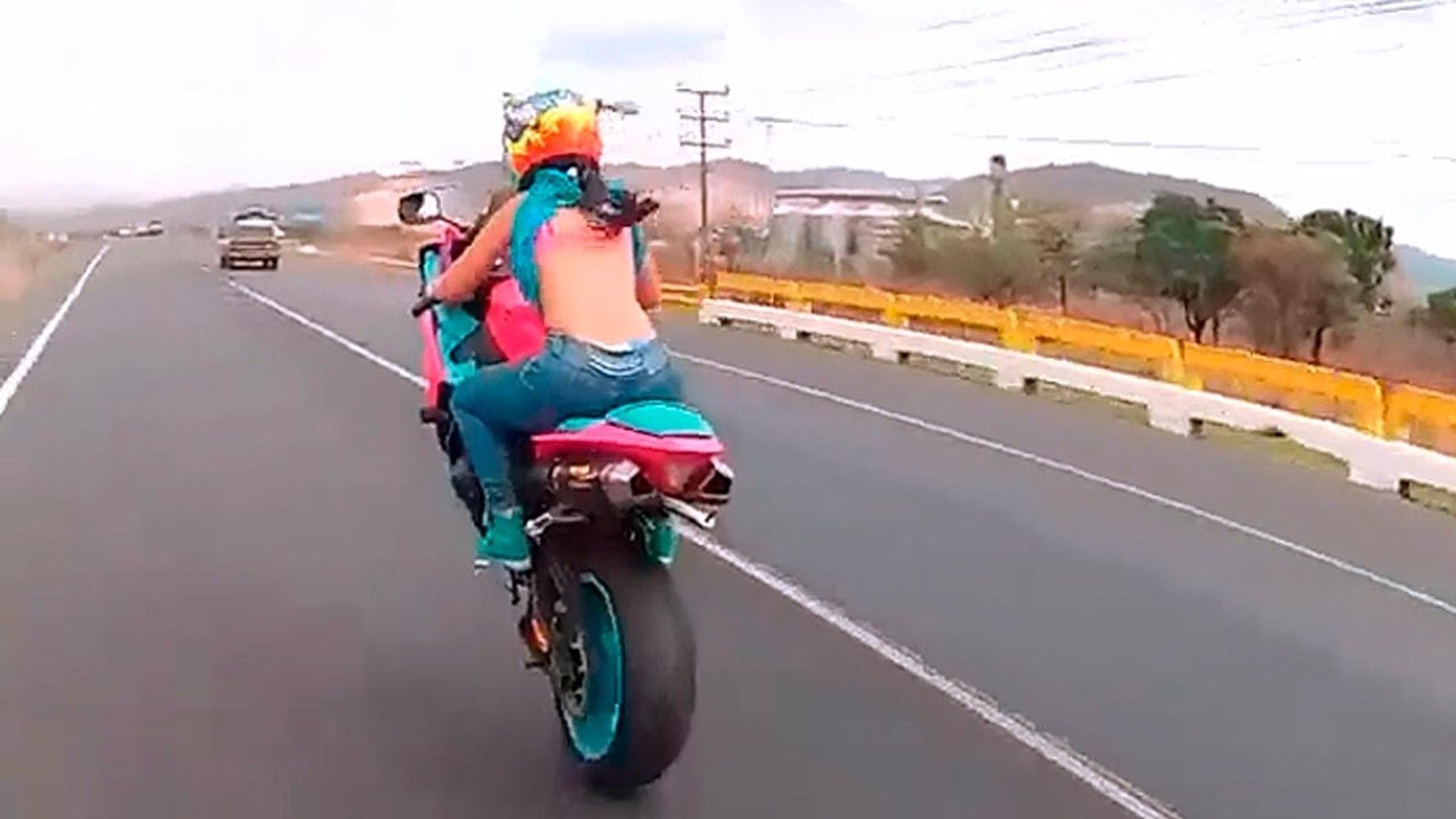 Accidentes Fatales En Motocicleta SORPRENDENTES 2015 {HD}