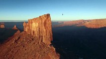 Buzz : Record de slackline dans le désert de l'Utah ( Theo Sanson slackline world record in Utah ) !