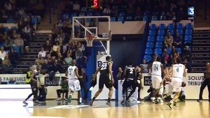 Basket : l'énorme dunk de Bokolo sur Alingue (Pau / Dijon, 21/11/2015)