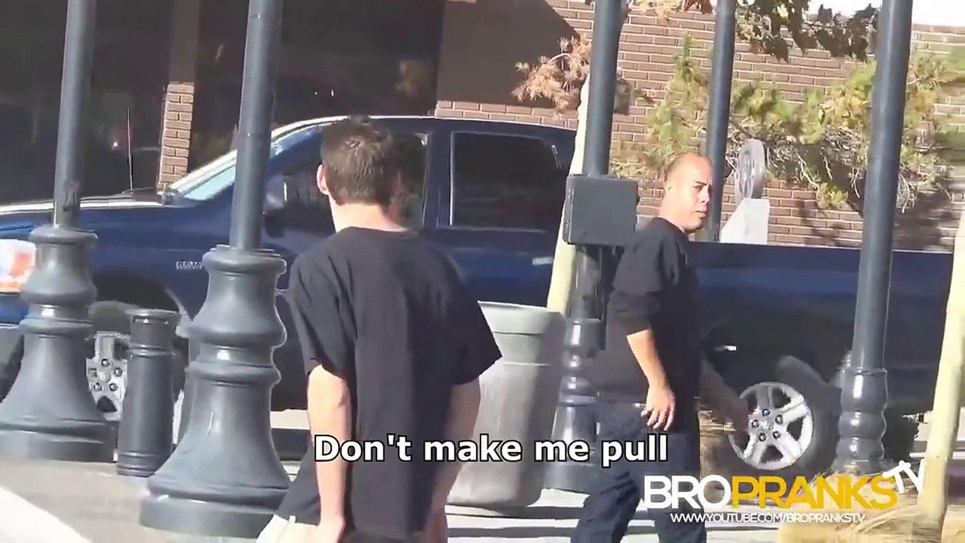 Almost Pickpocketing People (PRANKS GONE WRONG) Pranks in the Hood Pranks on People 2014