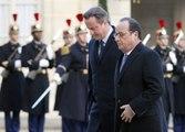 """Cameron, """"convencido"""" de que Reino Unido debe bombardear al Estado Islámico"""