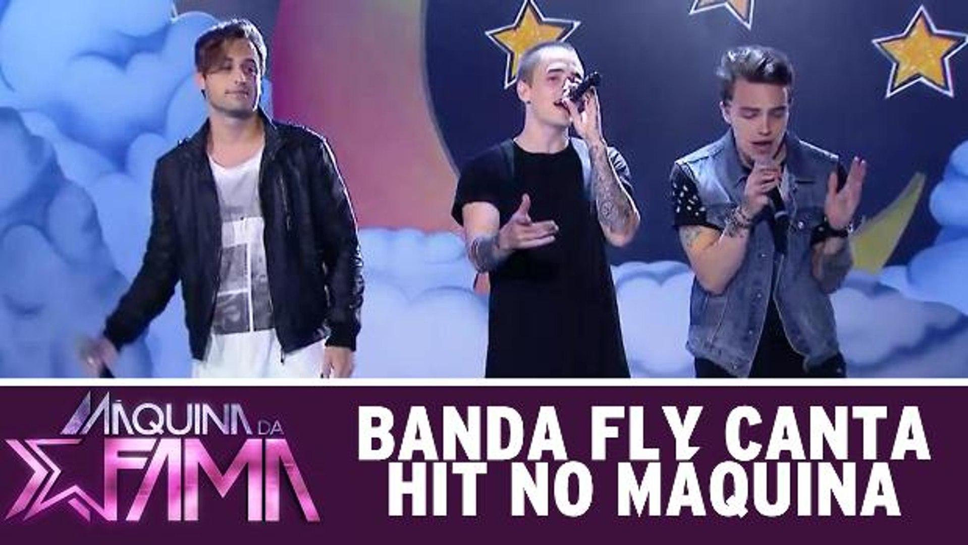 Banda Fly canta hit no Máquina da Fama