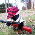 Le déguisement pour chien le plus Fun.. Chien chasseur et son fusil