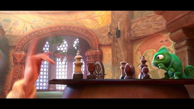 Buzz : Dix détails surprenants cachés dans des films Disney en une vidéo ( 10 Amazing Hidden Details In Disney Films ) !