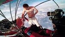 Antti Pendikainen saute d'une montgolfière sans parachute