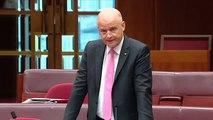 Un chant de Noël au Sénat australien pour dénoncer les hausses d'impôts