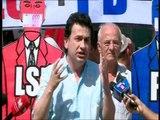 PROTESTAT KUNDER FULLANIT QYTETARET KERKOJNE NGA KLASA POLITIKE TE REAGOJE PER BANKEN LAJM