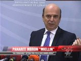 """Panariti mbron """"miellin"""" - News, Lajme - Vizion Plus"""
