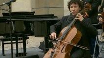 Hommage national : la Sarabande de la suite n°2 de Jean-Sébastien Bach jouée au violoncelle