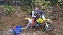 Ce biker fait un base jump à moto après un saut de 40m... Dingue