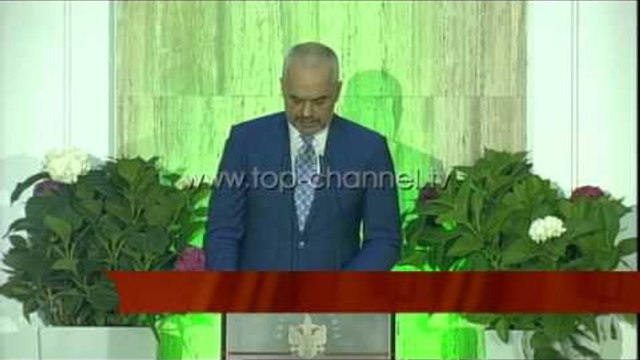 Rama shtron iftar: Krenar për tolerancën fetare - Top Channel Albania - News - Lajme