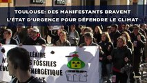 Toulouse: Des centaines de manifestants bravent l'état d'urgence pour défendre le climat