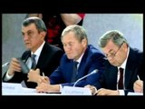 PUTIN VIZITON KRIMENE NDERKOHE QE NE UKRAINEN LINDORE VIJOJNE LUFTIMET LAJM