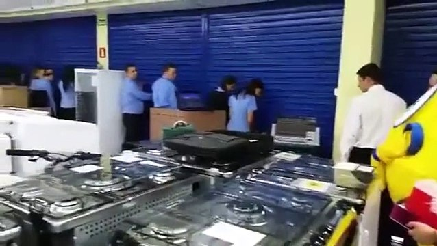 THAT'S WHAT A BLACK FRIDAY IN BRAZIL LOOK LIKE!
