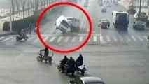 L'étrange lévitation de trois véhicules crée le mystère en Chine
