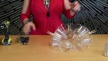 Une nouvelle idée déco pour Noël... Un lustre fait avec des verres en plastique !