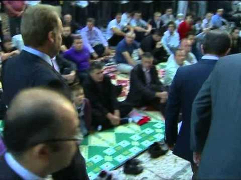 FESTA E BAJRAMIT MBI 2 MILIARDE MUSLIMANE FESTOJNE NE TE GJITHE BOTEN LAJM